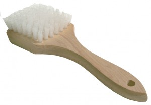 Magnolia 6-N White Nylon Sidewall Brush with Wooden Handle